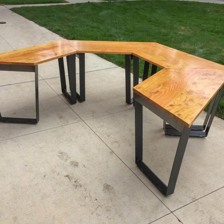 U-shaped table configuration